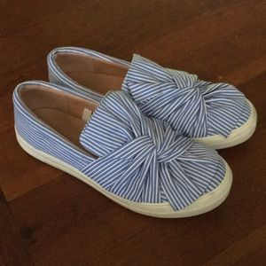 💥Price Firm💥Target Brand Comfy Slip-Ons